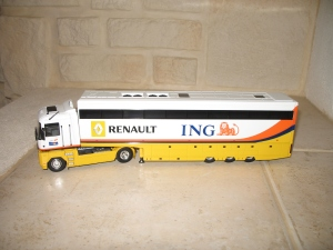 Camion Renault F1 Team - ING. vue attelée