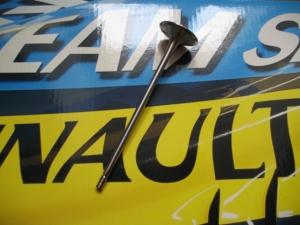 piéce moteur Renault Sport F1 - soupape