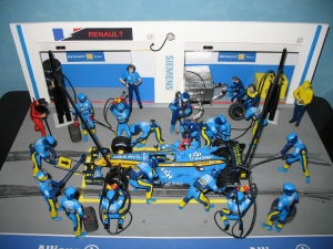 Renault F1 Team - pit stop R26 (2006) - FA