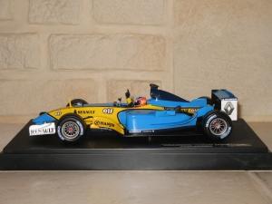 Renault F1 Team - R23 (2003) - FA (1ére victoire). vue profil