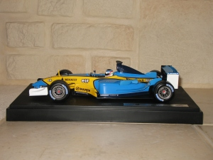 Renault F1 Team - R23 (2003) - JT. vue profil