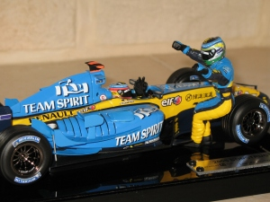 Renault F1 Team - R25 (2005) - FA & GF- CDM constructeurs. vue pilotes