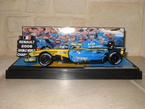 Renault F1 Team - R26 (2006) - FA - CDM pilotes et constructeurs. vue profil