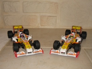 Renault F1 Team - R29 (2009) - RG & FA. vue face