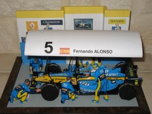 Renault F1 team - stand R25 (2005) - FA. vue dessus