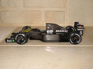 Williams Renault - FW14B (1992) - version carbon essais. vue profil