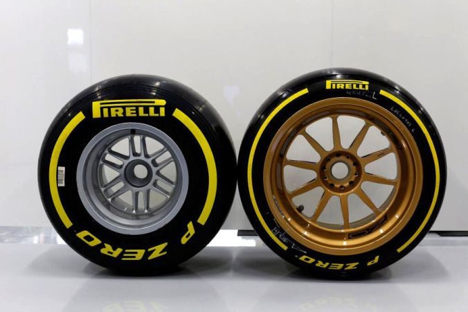 Lotus-Pirelli-18-Zoll-F1-Test-Silverstone-2014-fotoshowBigImage-555911b1-792849